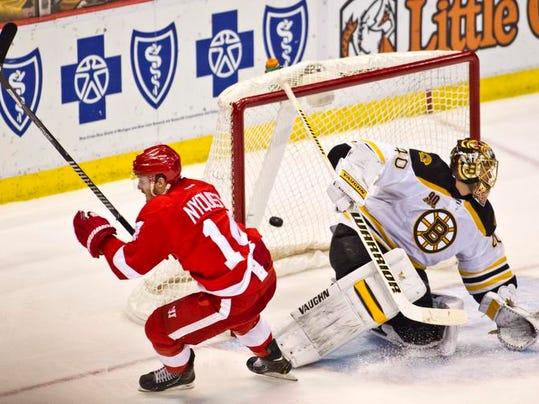 Bruins Red Wings Hock_Buck.jpg