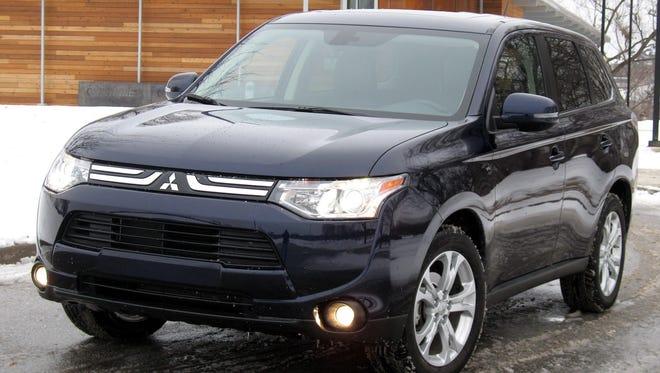 2015-Mitsubishi-Outlander-SUV