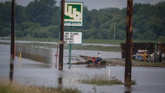 Rock Valley orders evacuations amid flash flood