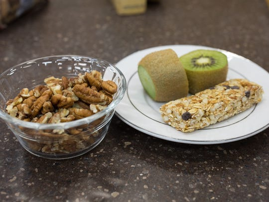 A cereal bar with kiwi and pecans is an example of