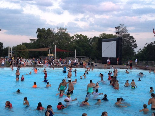 Dive in movies heat up at nashville shores - Dive in movie ...