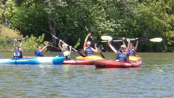 BGM students kayak at Diamond Lake near Montezuma.