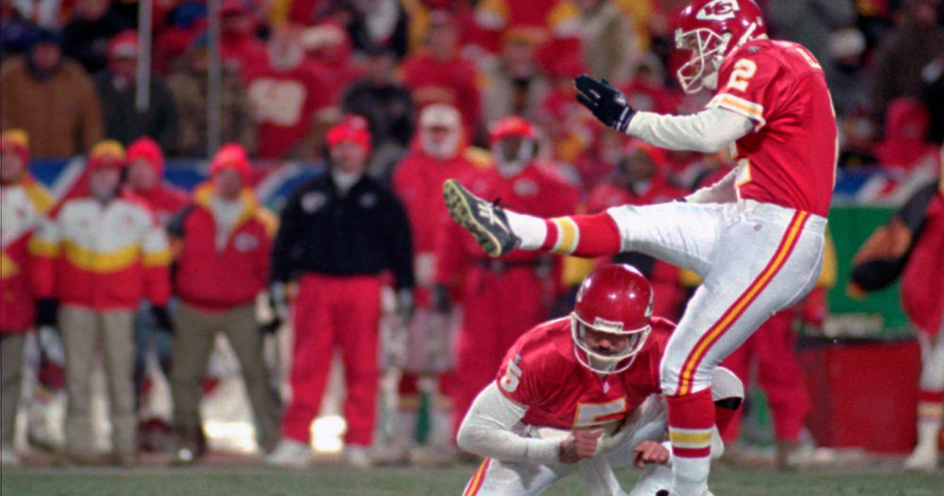 Chiefs aim to rewrite playoff history vs nemesis Colts 836249b2d