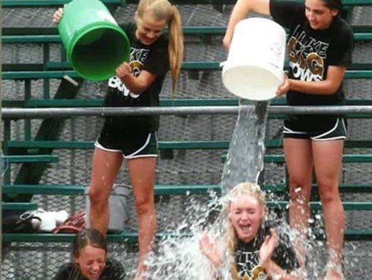 -cmr ice bucket challenge.jpg_20140829.jpg
