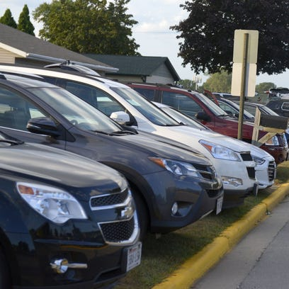 Businesses adjust for weeknight game parking