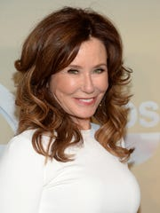 Mary McDonnell.