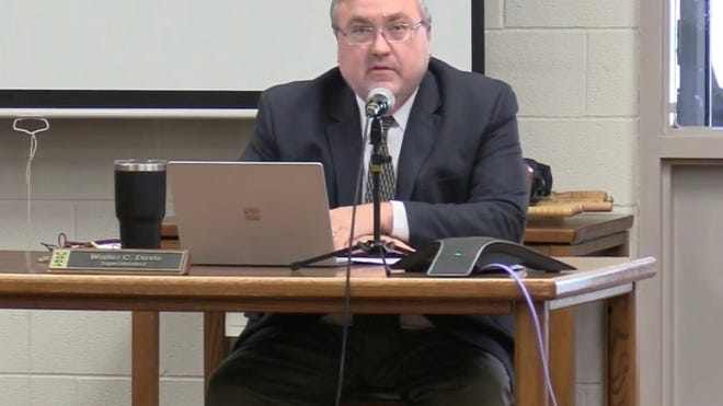 Woodridge Local School District Superintendent Walter Davis speaks during a special board of education meeting last month.