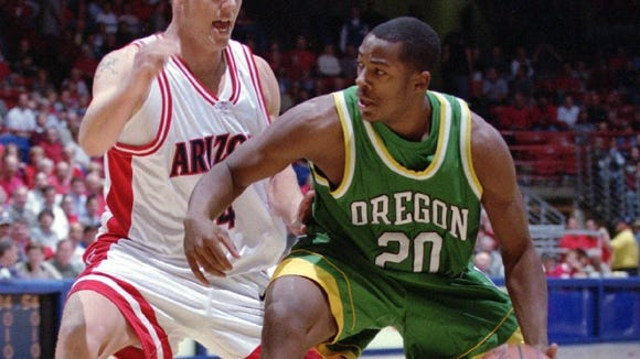 Oregon's Freddie Jones helped lead the Ducks to the NCAA tournament in both 2000 and 2002.