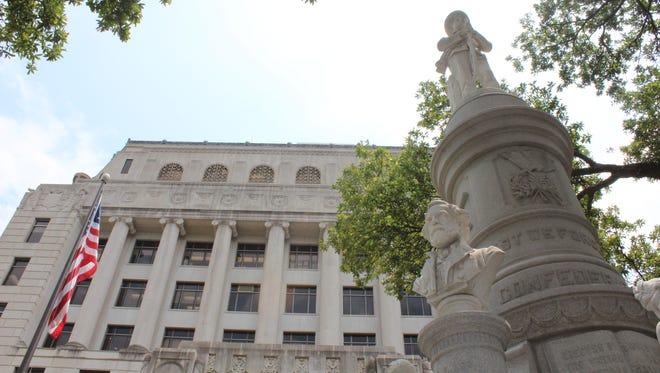 Caddo Parish Courthouse Confederate monument