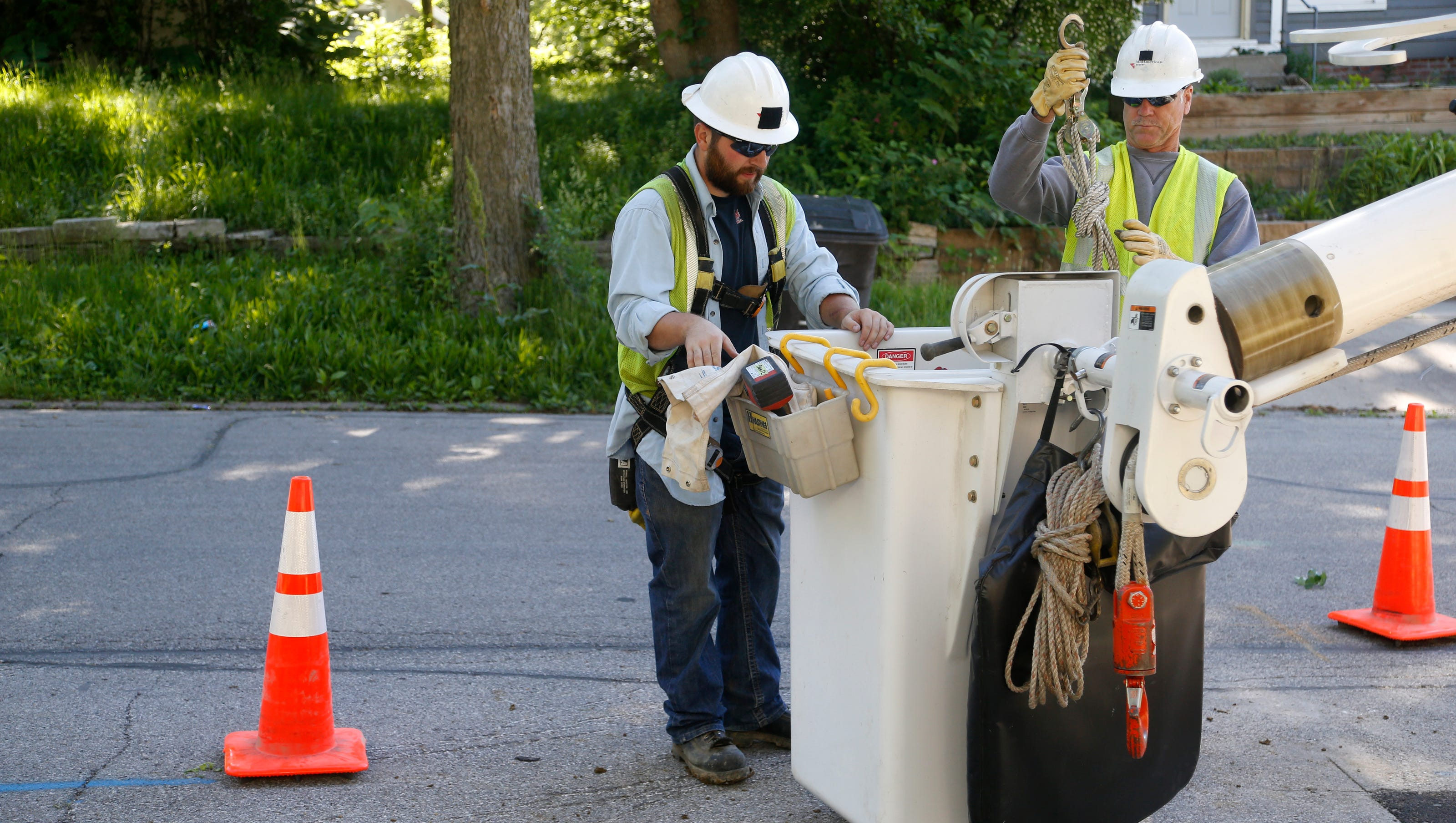More Than 1 900 Without Power Monday In Des Moines Midamerican Says