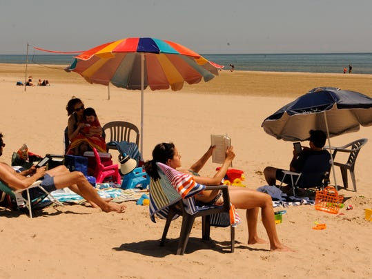 -MAN f Neshotah Beach 34.jpg_20130718.jpg