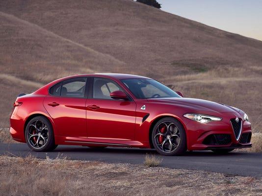 636194301391287101-2017-Alfa-Romeo-Giulia-13.jpg