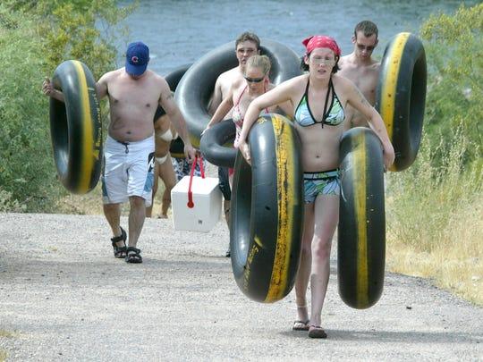 Refrescate visitando Salt River Tubing esta temporada