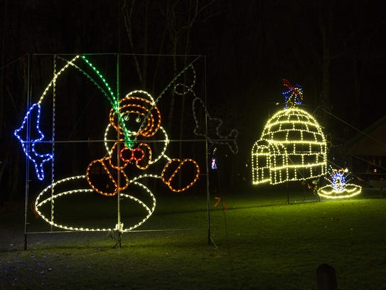 Lights in Lincoln Park at the Manitowoc Lincoln Park