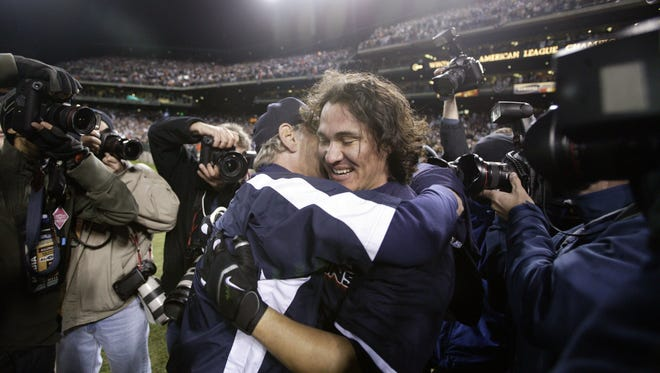Magglio Ordonez celebrates his home run with manager Jim Leyland to defeat the Athletics, 6-3, in Game 4 of the ALCS on Oct. 14, 2006.