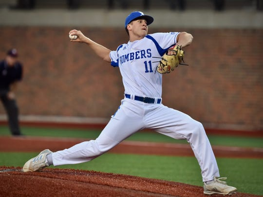 St. Xavier's Wyatt Hudepohl pitches against La Salle
