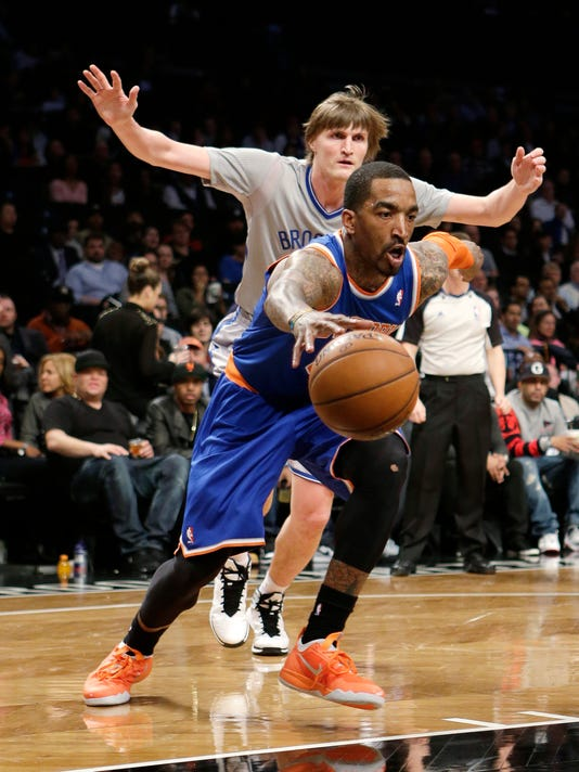 Knicks Nets Football