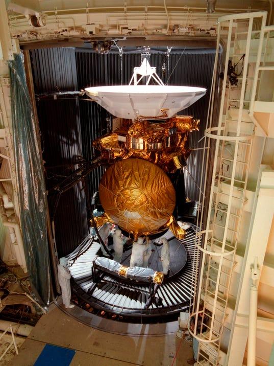 AP SPACE SATURN CASSINI FINALE A USA CA