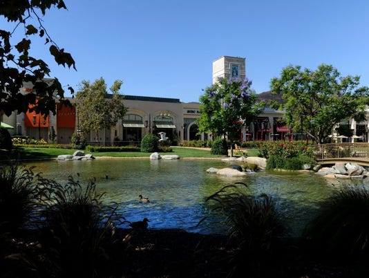 The Lakes at Thousand Oaks