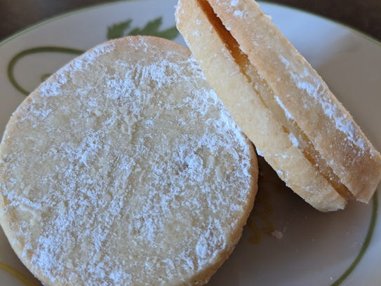 Sandwiched together with a dab of lemon curd in between,
