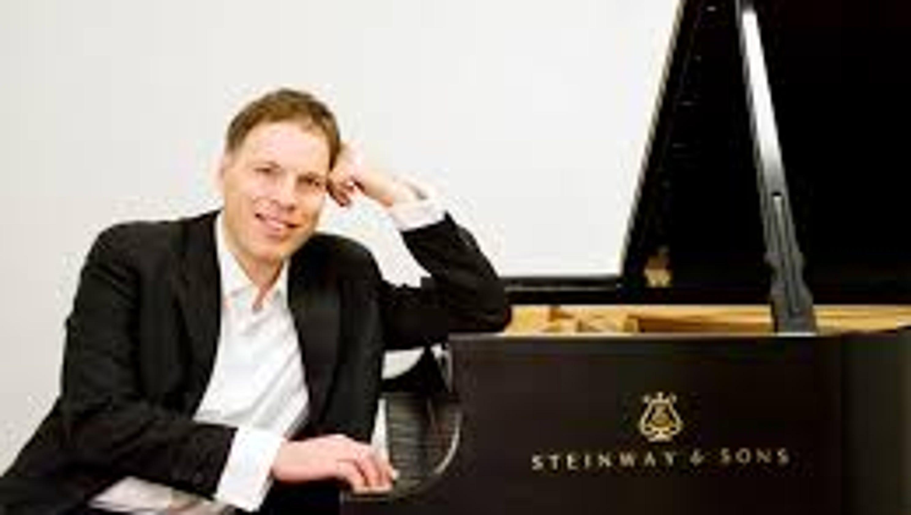 the pianist essay the pianist essay the pianist studiocanal  the pianist essay mona golabek in the pianist of willesden lane essay example mona golabek in