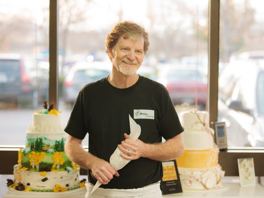 XXX JACK PHILLIPS, OWNER OF MASTERPIECE CAKESHOP 034.JPG BIZ CO