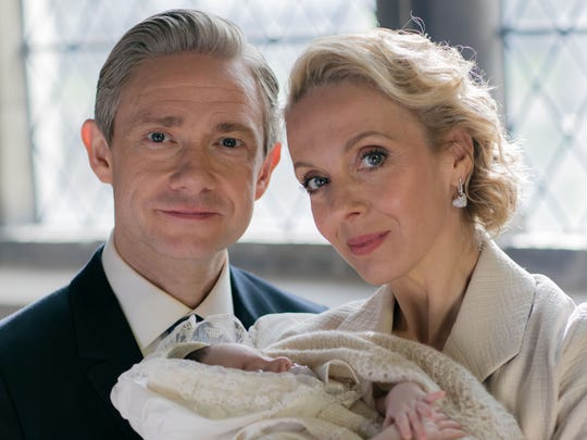 John (Martin Freeman) and Mary Watson (Amanda Abbington)