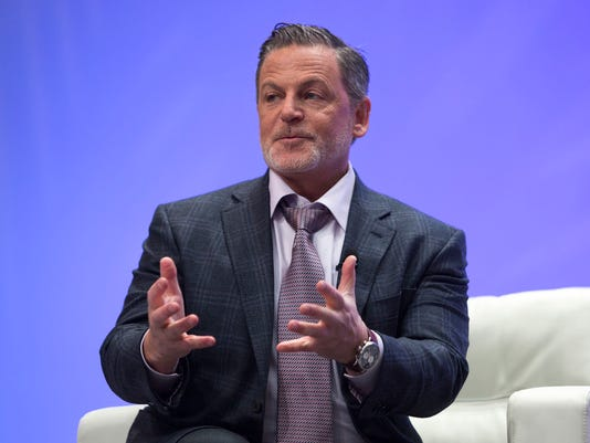 636349675861548693-Dan-Gilbert-speaks-at-NAIAS.jpg