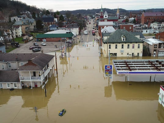 More storms threaten sodden central U.S., where at least 70 rivers are in flood stage (usatoday.com)
