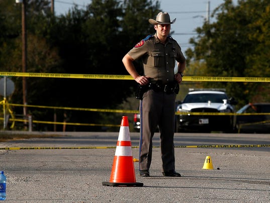 Un hombre armado mata a 26 personas en el interior de una iglesia de un pueblo de Texas