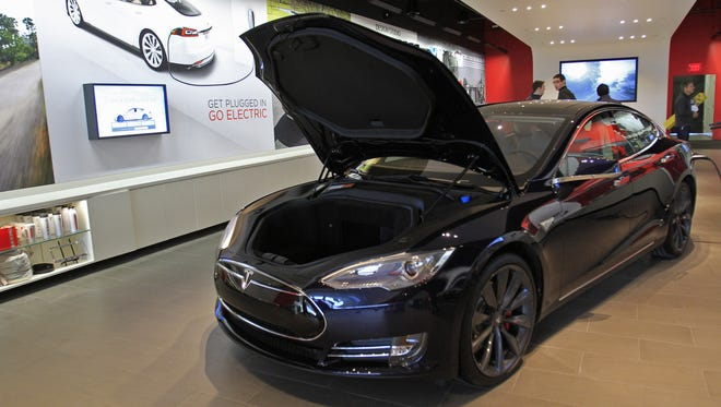 Tesla opened a showroom at the Fashion Mall at Keystone in 2013.