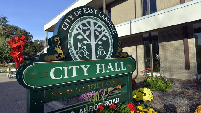 Construction on a building project on Grand River in East Lansing will force a traffic shift from Tuesday morning through Friday afternoon.