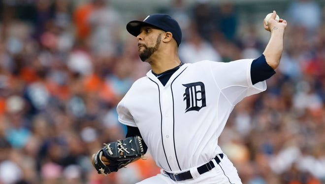 Detroit pitcher David Price (14) pitches in the second inning against Seattle at Comerica Park in Detriot on Saturday.