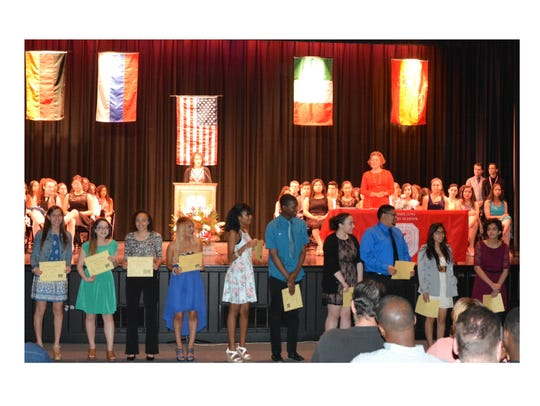 Many students received honorable mention certificates