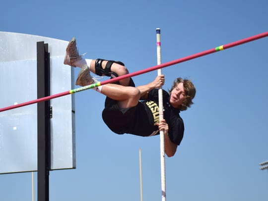 Buffalo Gap's Tucker Kiracofe competes in the Group