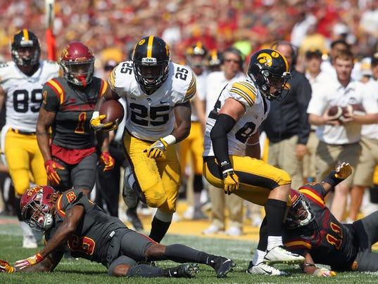 636405897354927149-170909-39-Iowa-vs-ISU-football-ds.jpg