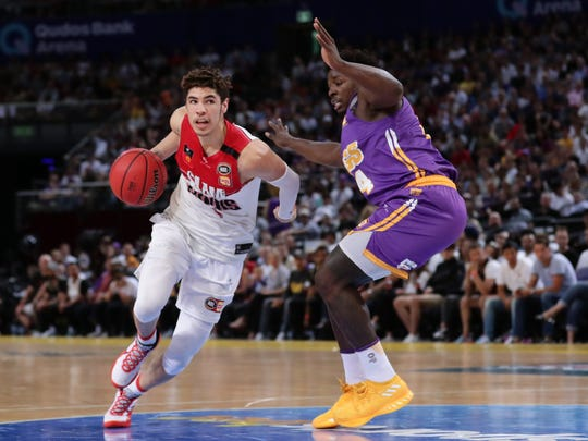 SYDNEY, AUSTRALIA - NOVEMBER 17: LaMelo Ball of the Hawks drives to the basket during the round seven NBL match between the Sydney Kings and the Illawarra Hawks at Qudos Bank Arena on November 17, 2019 in Sydney, Australia. (Photo by Mark Metcalfe/Getty Images)