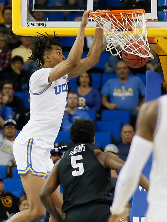Long_Beach_St_UCLA_Basketball_50031.jpg