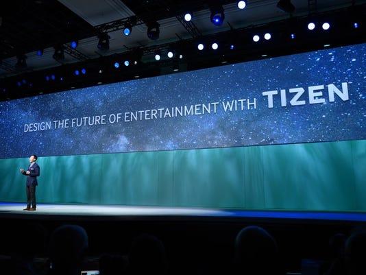 635875257874165591-Samsung-Tizen-Smart-Remote-Hero.jpeg