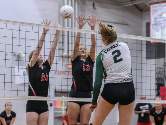 636422317801289697-2017-0928-catholic-volleyball-west-florida-0005.jpg