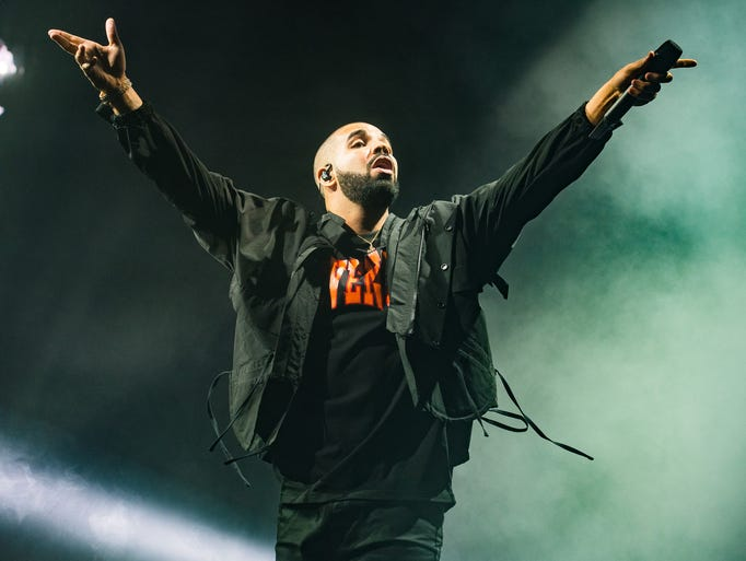 Drake performs Thursday July 28, 2016 during the Summer