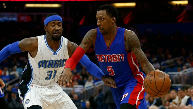Mar 24, 2017; Orlando, FL, USA; Detroit Pistons guard Kentavious Caldwell-Pope drives to the basket as Orlando Magic forward Terrence Ross defends during the first quarter at Amway Center.