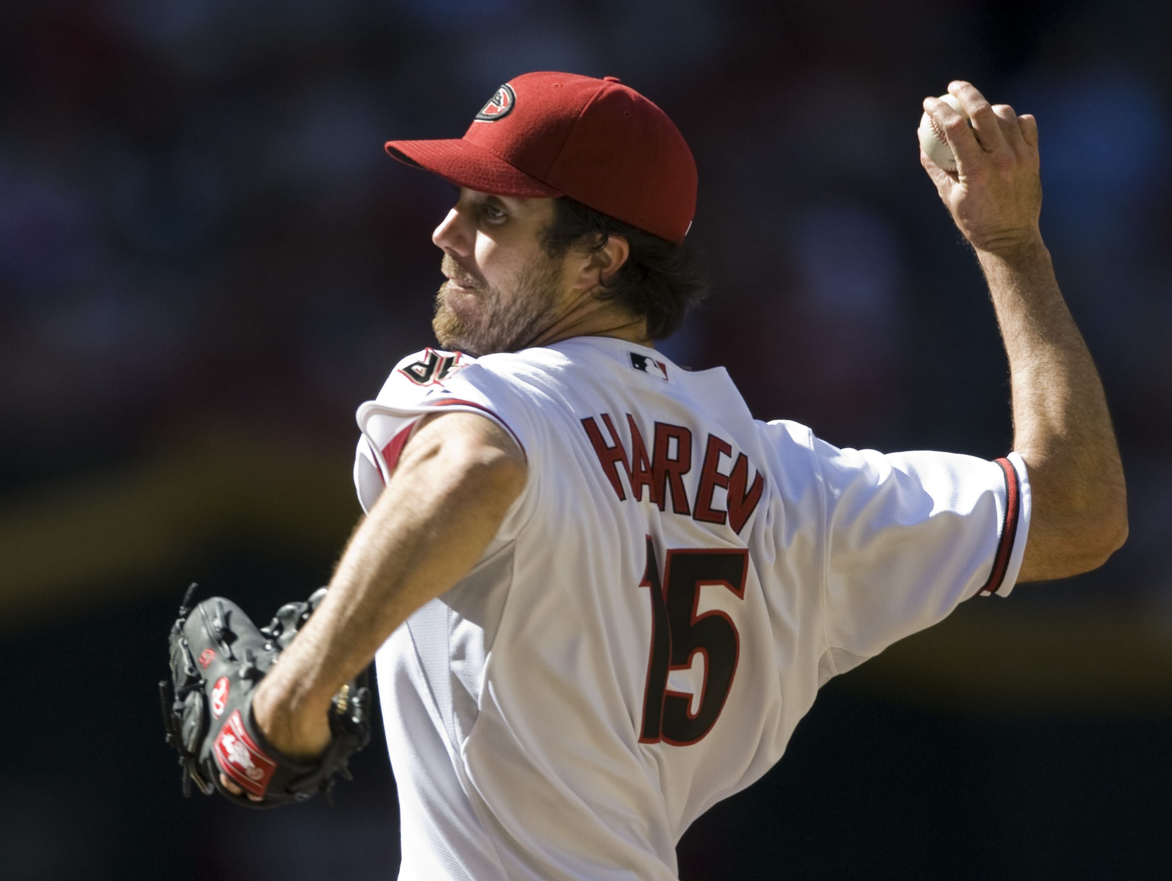 Dan Haren pitches for the Diamondbacks in 2010.