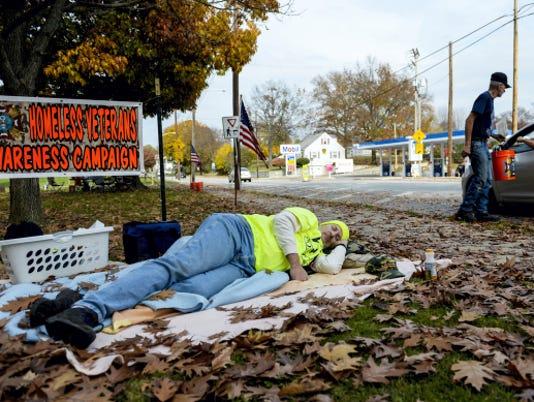 1-LDN-JML-110615-homeless-vets