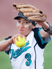 Oñate pitcher Jaileen Mancha goes into her wind up