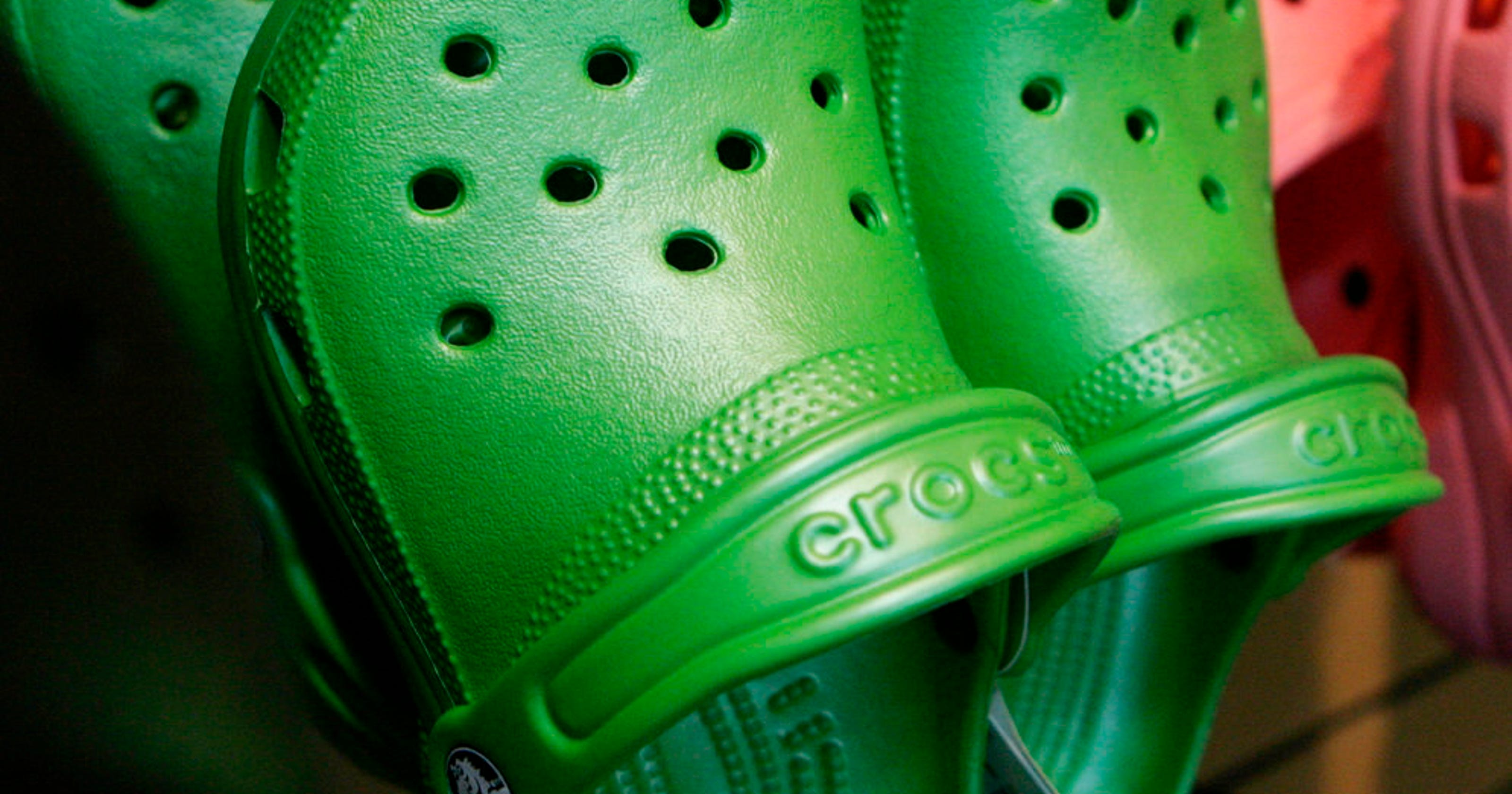 8176e16322a6ff Is Crocs closing  Shoe brand is shuttering its manufacturing facilies