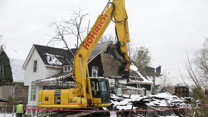 Federal inspector criticizes Michigan's demolition spending