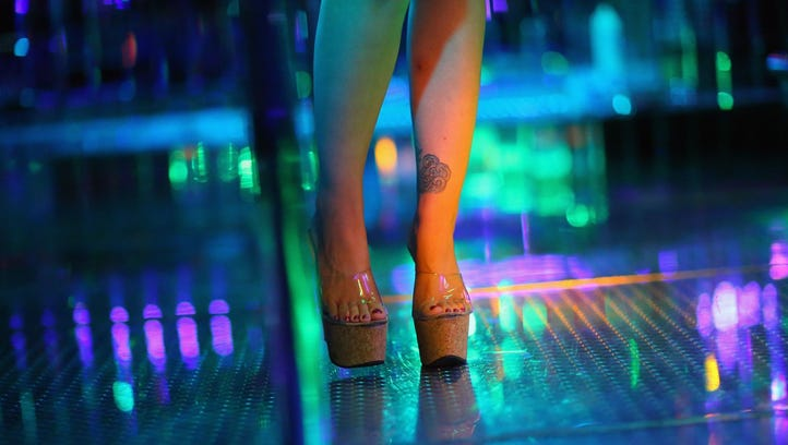 Lawsuit: Dancers at Knox strip club accuse owners of pocketing cash, illegal work conditions