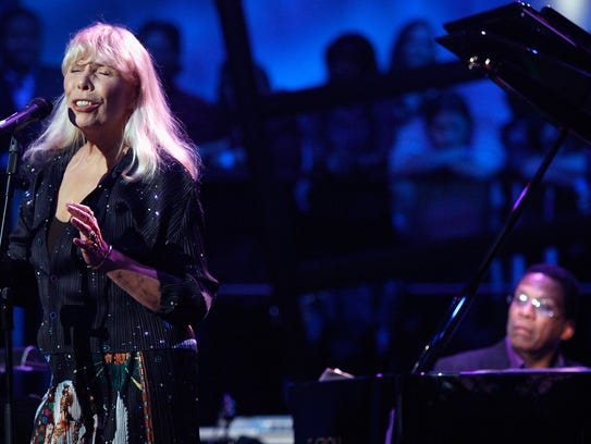 Joni Mitchell and Herbie Hancock perform in Los Angeles