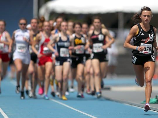Olympian Shelby Houlihan, right, ran at Sioux City's